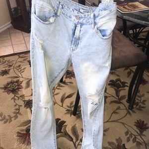 Distress Lightwash Refuge Jeans